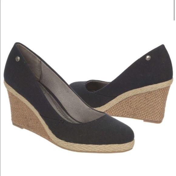 e404c4f0e477 Life Stride Shoes - Life Stride black wedge pumps